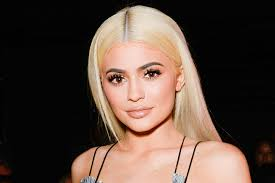 kylie jenner s customers have this gross plaint about her new palette