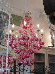 17 gorgeous chandelier for a yuletide home decor 6