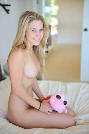 Blonde teen alanna masturbates and