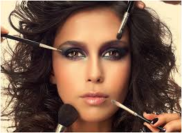 it s all in the eyes eye shadows in copper tans and hearty hues will work ponders with an overwhelming lashing of mascara and delightfully killed eyes