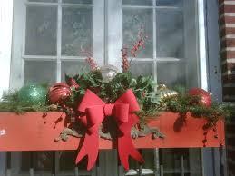 Christmas Window Box Decorations christmas window box ideas Quecasita 35