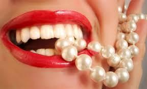 <b>Карандаш для отбеливания зубов</b> Bright White