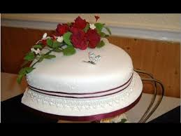 Heart Shaped Wedding Cakes With Red Roses Youtube