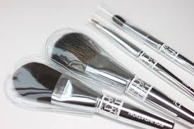 foundation blush lip lol i think that s the only tacky part of the dior brushes