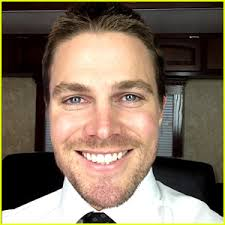 Stephen Amell: 'Arrow' Season 2 Starts Production, Summer Glau Joins Cast! Stephen Amell and the cast of Arrow are back at work and the second season has ... - stephen-amell-arrow-season-2-begins-filming