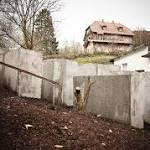 """""""Denkmal der Schande"""" vor der Haustür von Höcke"""