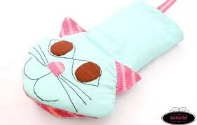 Oven Mitt Pattern Gorgeous Meow Oven Mitts Pattern AllFreeSewing