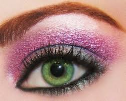 are you on the look out for tips instructions and techniques for applying eye shadow at home here s how to do it the right way