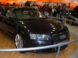 File:2005 Audi A8 L W12 European model 1.JPG - Wikimedia Commons