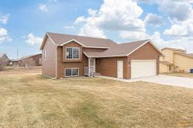 1200 COPPERFIELD DR Rapid City, SD - Heartland Real Estate
