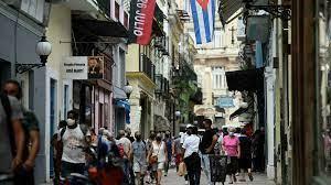Cuba legalizes small and medium ...