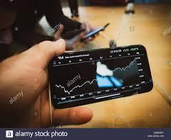 Apple Index Chart Paris France Nov 3 2017 Customers Admiring Apple Store