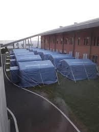 Coronavirus, davanti all'ospedale di Schiavonia montate le tende -  CorrieredelVeneto.it
