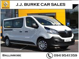 2018 renault trafic. exellent trafic 2018 181 renault trafic passenger minibus business dci 125bhp throughout renault trafic