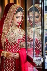 indian baraat dresses 2017 for bride so that wearing these baraat dresses you could make your personality more attractive and beautiful then ever