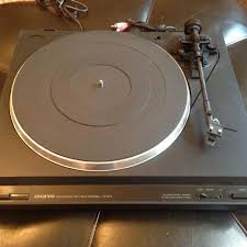 onkyo turntable. onkyo auto-return belt drive turntable. cp-101a. excellent working condition! turntable