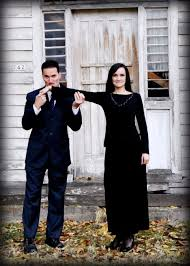 diy costumes for gomez and morticia addams funny creative and scary