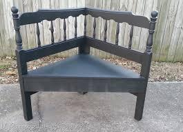 headboard-corner-bench
