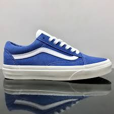 the retro sport old skool the vans classic skate shoe and first to bare the iconic sidestripe is a low top lace up featuring gentle suede uppers