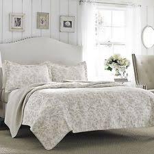 Twin Purple Gray Floral Patchwork Quilt Cotton Reversible Bedding ... & Laura Ashley Floral Bisquit/Off-White Reversible Coverlet Cotton Quilt  Set/Twin Adamdwight.com