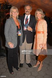 Fran Smith, Larry Smith and Lynsey Salyer attend Cocktail Party... News  Photo - Getty Images