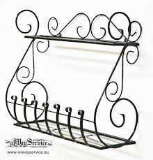 Този стилен, ръчноизработен метален цветарник за стена е удобен и практичен. Cvetarnik Ot Kovano Zhelyazo