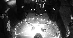 Abusi E Sette Sataniche Lincredibile Vicenda Dei Due Fratellini