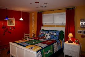 Lovely Colorful Baseball Themed Boys Bedroom Decor. Boys Bedrooms