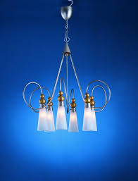 modern pendant lighting vs traditional chandeliers