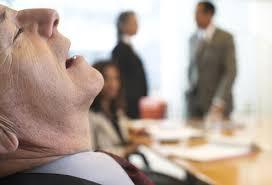 حمله خواب به طور ناگهانی و نامنتظره اتفاق می افتد