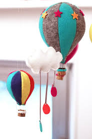 mobile hot air balloon montgolfière kidsroom diy