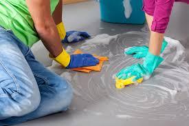 Womit werden fliesen und parkett komfortabel und gründlich sauber? Pvc Boden Reinigen Diese Hausmittel Wirken Wunder
