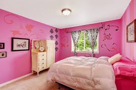 Hot Pink Girlu0027s Bedroom With Soft Beige Carpets And Bedding With Flower Wall  Stencils
