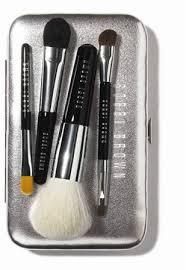 bobbi brown mini brush set. as mentioned, this set bobbi brown mini brush l