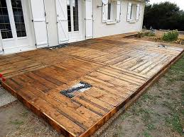diy pallet wooden backyard floor project ilove2make pallet floor