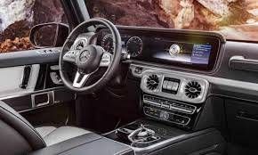 De quoi faire de ce mercedes g500 4x4² un cadeau surprise idéal. Mercedes Benz G Class It Is To Regular 4x4s What Rambo Is To Reiki Motoring The Guardian