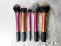 real techniques makeup brushes. fake: rt powder \u0026 blush brush real techniques makeup brushes