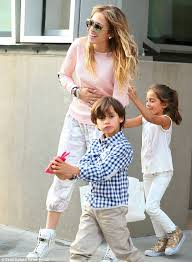 jennifer lopez kids 2015. fun in the sun: j-lo laughed and smiles a pale pink top jennifer lopez kids 2015 o