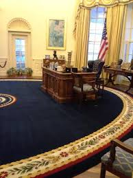 clinton oval office. Exellent Oval William J Clinton Presidential Library Replica Of Desk In Oval Office To O