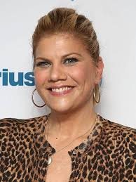 Compare Kristen Johnston's height, weight, body measurements with other  celebs