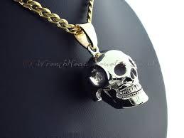 image of 14kt gold skull pendant