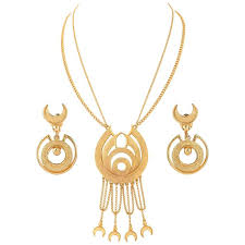 florenza c 1960 s gold egyptian revival pendant necklace earrings parure set for at 1stdibs