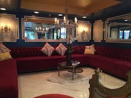 huge desk. Hotel Le Reve Pasadena: Huge Empty Seating Area By Front Desk