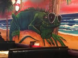 iguanas seafood restaurant wall decorations