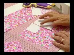 1589 best Quilt Videos images on Pinterest | Patchwork quilting ... & Arte e Manhas da Tia Lili: colcha delicada (feita com fat quarters! Fat  QuartersPatchwork QuiltingTiaQuilt ... Adamdwight.com