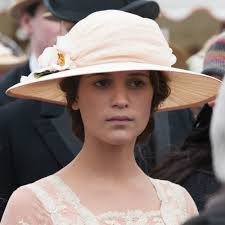 Testament of Youth Vera Brittain s clothes