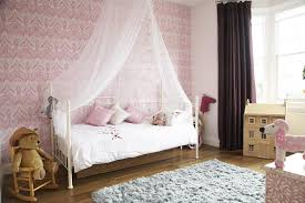 5 victorian bedroom decorating ideas pretty classic victorian bedroom idea using white iron bed frame