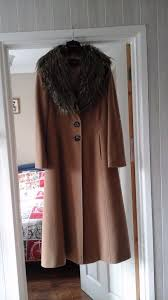 fabulous alexon las full length camel fitted style coat with detachable fur collar size 10