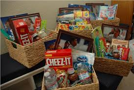 silent auction gift basket themes
