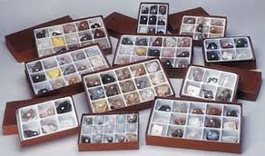 Identifying Rocks And Minerals Chart Boxed Rock And Mineral Collections From Rockman
